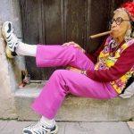 old-lady-pink-pants