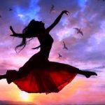 ws_Woman_Free_Flying_Sunset_Birds_852x480